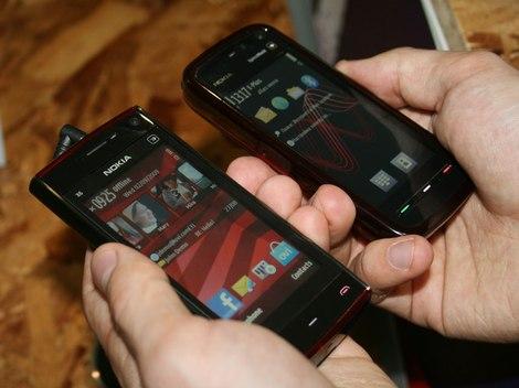фото Nokia X6 photo - Нокиа Х6 красного цвета