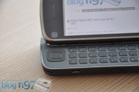 Фото Нокиа Н97 - Nokia N97 photos - внешний вид, экран, клавиатура, камера, сравнение с Nokia E71, механизм раскрытия