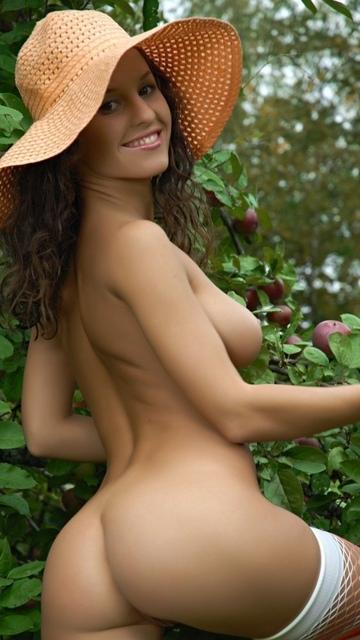 красивые голые девушки на нокиа 5800